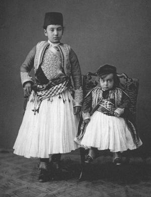 Veshje tradicionale shqiptare...