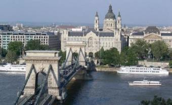 """BUDAPESTI – """"Paris i Europës qendrore"""" 1217220574-budapest"""