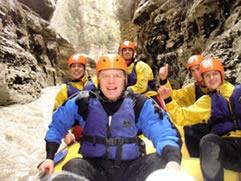 Nis sezoni turistik i rafting ne Shqiperi-Genc Pollo, i pari turist dhe eksplorues 1330516352-sezoni_turistik