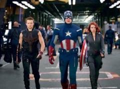 Hollivudi i rikthehet diteve te arta fale superheronjve