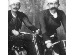 Bicikleta e pare ne Shqiperi, ne 1907 1371112558-bicikleta_shkolles
