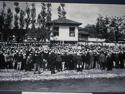 Djepat shqiptar dhe ritet tjera dhe foto historike - Faqe 4 1389524909-lidhja