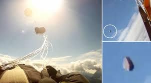 Parashutisti rrezikon te goditet nga nje meteor
