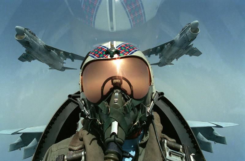 Ta shohesh boten nga syte e nje piloti ushtarak