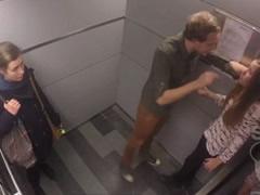 Dhunon te dashuren ne ashensor, asnje nuk e mbron