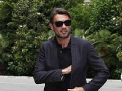 Mr Bee rikthen legjenden Maldini te Milani?!