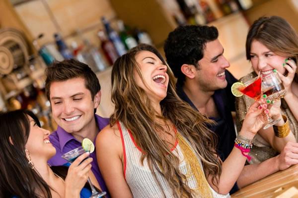 Alkooli ju ben me miqesore, por vetem me disa njerez
