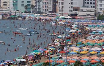 Rreth 300 mije turiste te huaj 'pushtojne' bregdetin shqiptar
