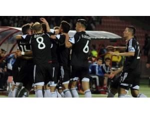 Video: Golat e Shqiperise, komentatori arab 'shkallon' nga gezimi