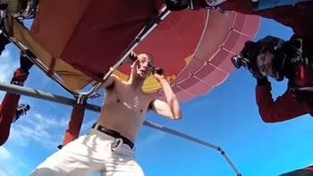 Hidhet pa parashute nga mbi 4000 metra lartesi (Video)