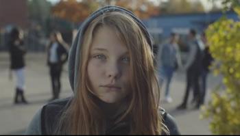 Videomesazhi prekes i vajzes per te atin: 'I dashur babi, mua do te me quajne k**** dhe per kete fajtor do te jesh ti'