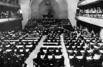 Fjalimi historik: Si u tall Noli para Lidhjes se Kombeve, me lideret e kohes