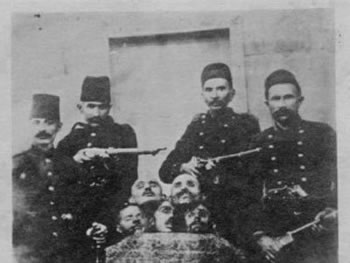 'Zbardhet' e verteta: Turqit kane kokat e grekeve te Izmirit, jo te shqiptareve