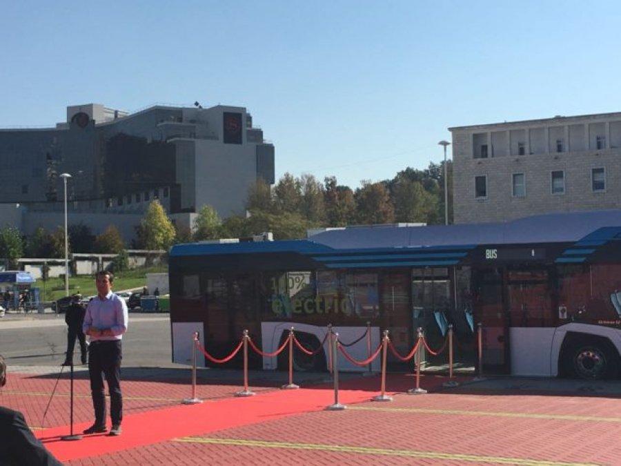 Tirana nisi testimin e autobuseve elektrike