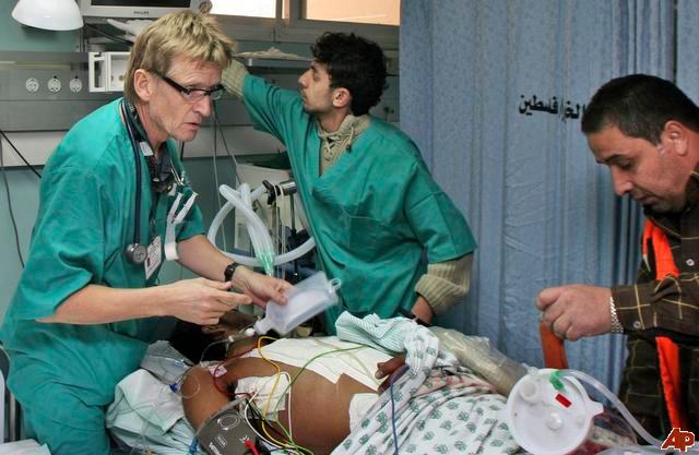 Letera rrenqethese e shkruar nga nje mjek ne Gaza drejtuar njerezimit dhe Obamas 1405947066-gaza-mjekui