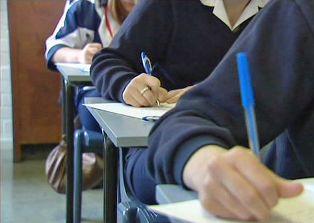 Provimi i Lirimit Testi Gjuhe shqipe 2010