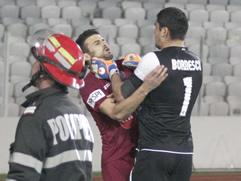 Rumani, shenon nga penalltia ne derbin e Kluzhit, portieri grushte e shkelma ndaj sulmuesit