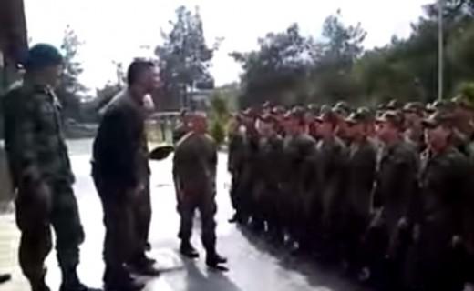 Himni i forcave speciale greke: 'Maleve pa buke e uje, do te pime gjak shqiptari e turku'