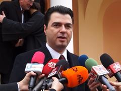 'Shullazi', Basha: Padite e Rames presion ndaj opozites per te heshtur