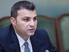 Guvernatori Sejko: Ju tregoj parate e shqiptareve
