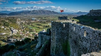 Yahoo Travel: Shqiperia e Kosova, vende te nenvleresuara qe duhen pare