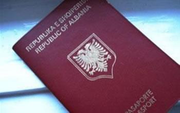 Pasaportat, shqiptaret qe aplikuan ne 2014 duhet t'i terheqin patjeter brenda 30 prillit
