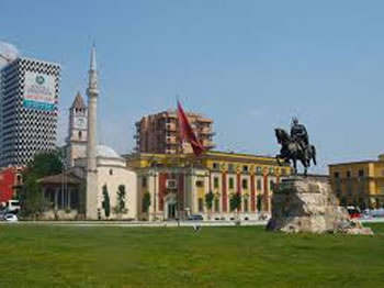 Turizem, 7 arsye per te vizituar Tiranen