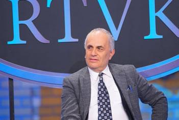 Artan Fuga nuk permbahet pas pergjigjes se Rames: Ju jeni anadollake shfrytezues, coni femijet tuaj ne ato pune