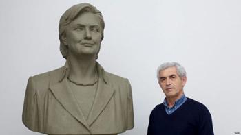 Saranda i ve Clintonit bust per kontributin e saj per shqiptaret