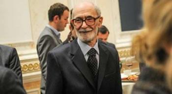 80-vjetori i lindjes se akademikut Qosja dhe nje telefonate e trishtuar me Prishtinen