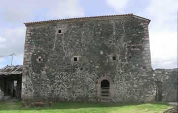Kulla e Aliajve ne Nivokaz, monument i trashegimise i lene ne harrese