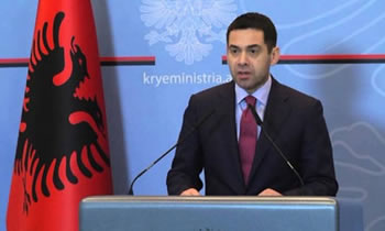 Ministri shqiptar humbi 80 mije euro ne kazino