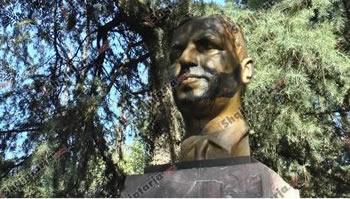 Skandal/ Perdhoset busti dhe varri monumental i Faik Konices ne Tirane