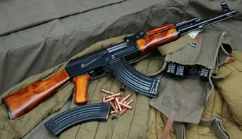 Ushtria shqiptare largon Kallashnikovin, armatoset sipas kushteve te NATO-s