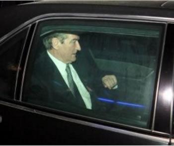 Policia i shkon Berishes ne shtepi per ta shoqeruar, ish-kryeministri largohet dhe drejtohet me shpejtesi per ne Komision
