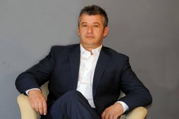 Alfred Peza kthehet ne miliarder me detyren si deputet, gruaja e tij aksionere ne nje banke private