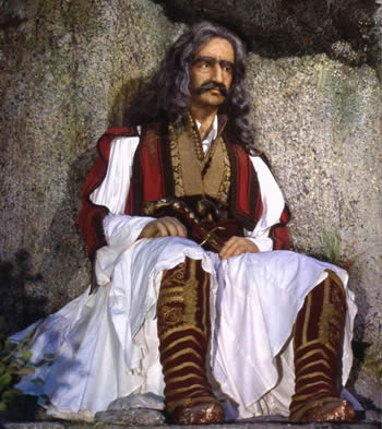 Njihuni me shqiptarin qe i dha lirine Greqise