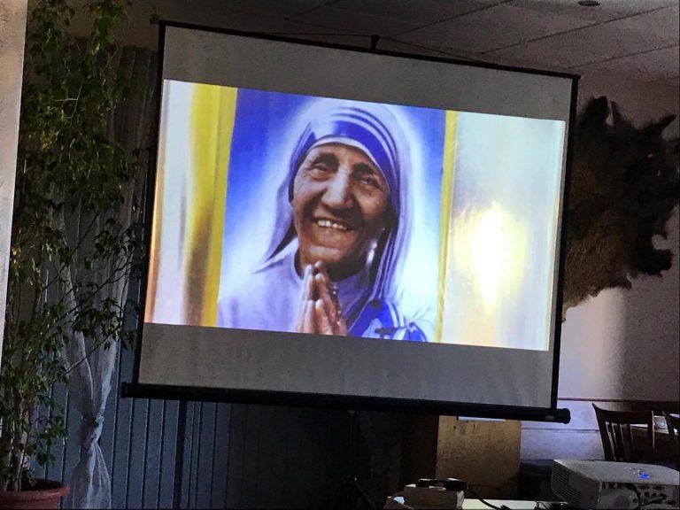 Shfaqet para gjermaneve, 'Shqiptarja Nene Tereza dhe rrenjet e saj ne Kosove'