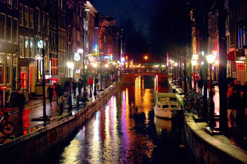 Kryeqytetet e Botes  April-30-11-26-8Amsterdam